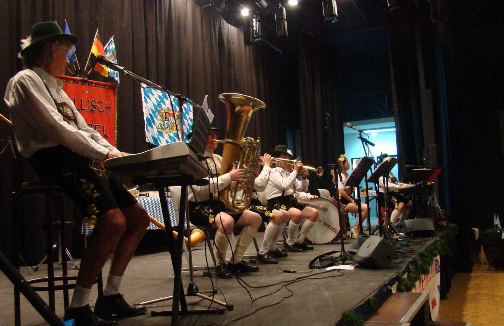 1 orchestre bavarois et de variété Gallisch Brezel, Andresy 78 2009