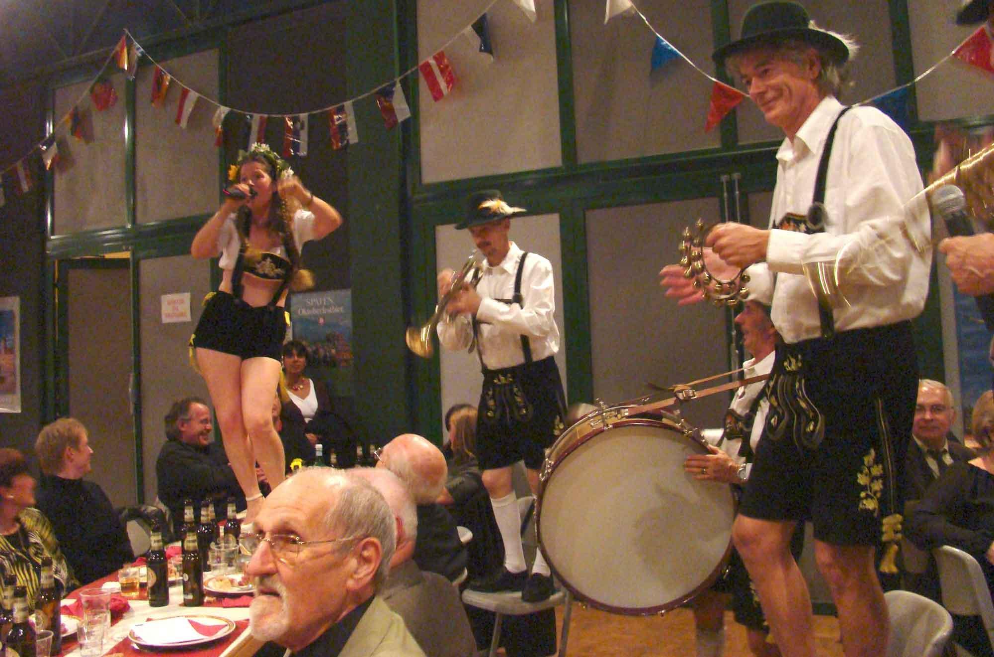 2 orchestre bavarois et de variété Gallisch Brezel, Andresy 78 2009