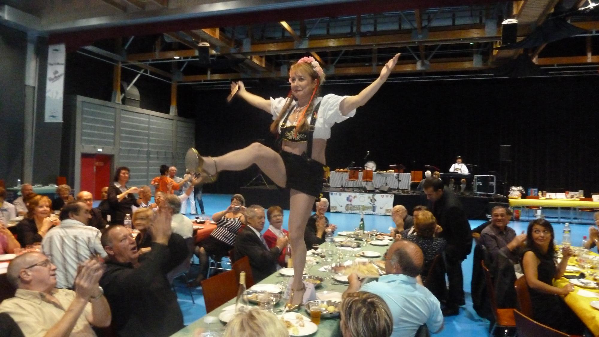 5 Lion's Club Pont à Mousson 29 septembre 2012 orchestre bavarois animation sur les tables