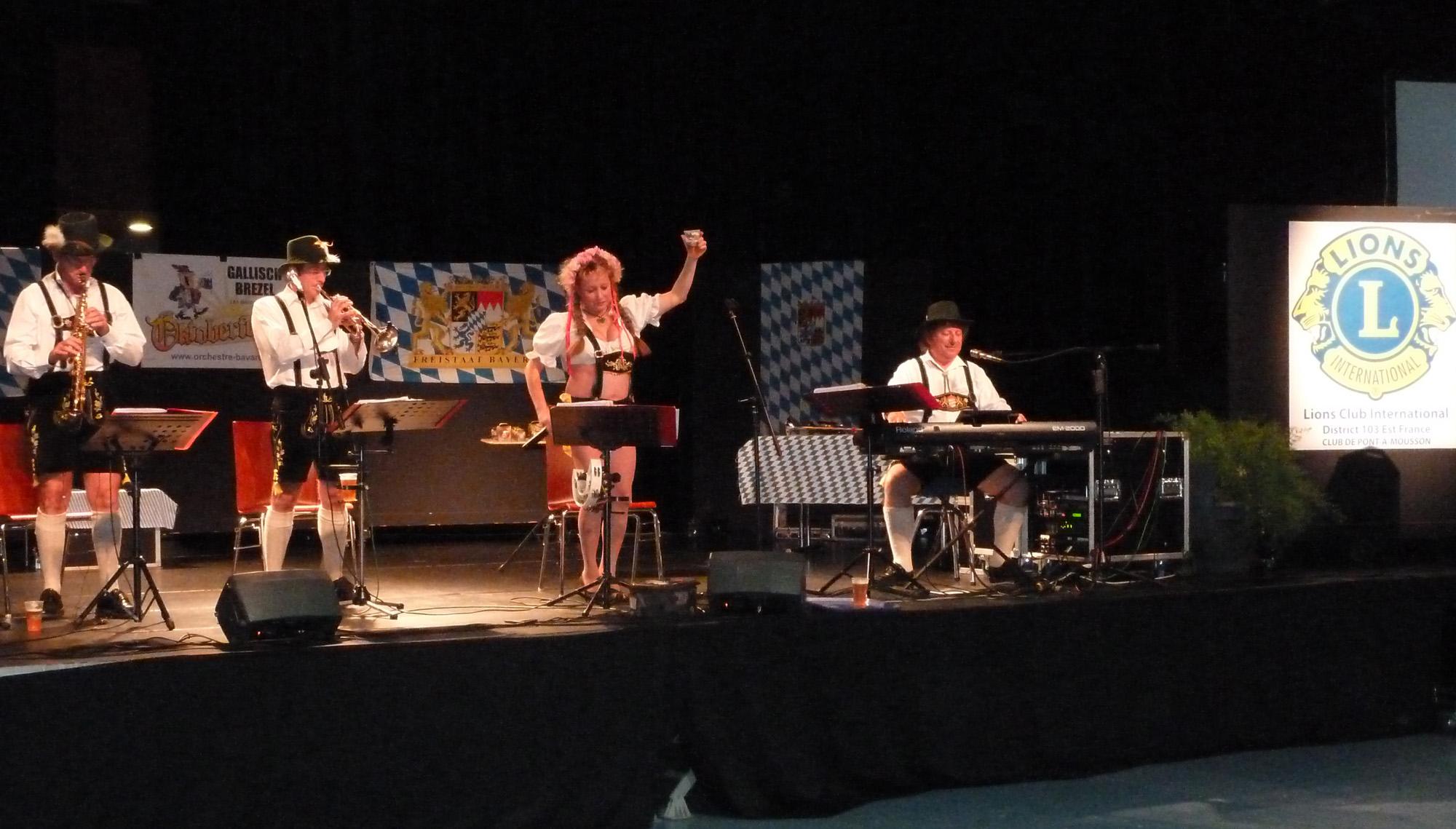 1 Prosit Samedi 1er octobre 2011 avec orchestre bavarois au Lion's Club de Pont à Mousson 54