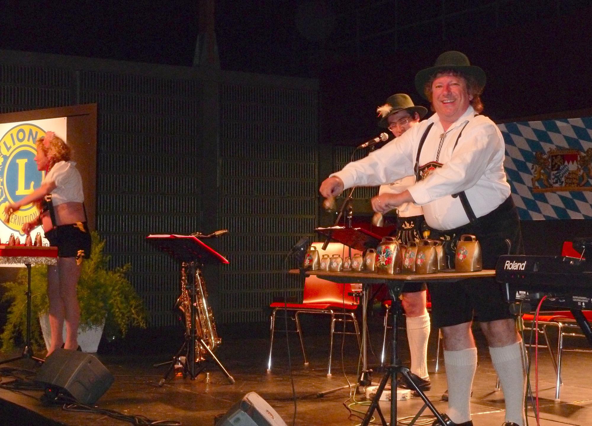 2a Duo de Clarines avec orchestre bavarois, Samedi 1er octobre 2011 à Pont à Mousson 54
