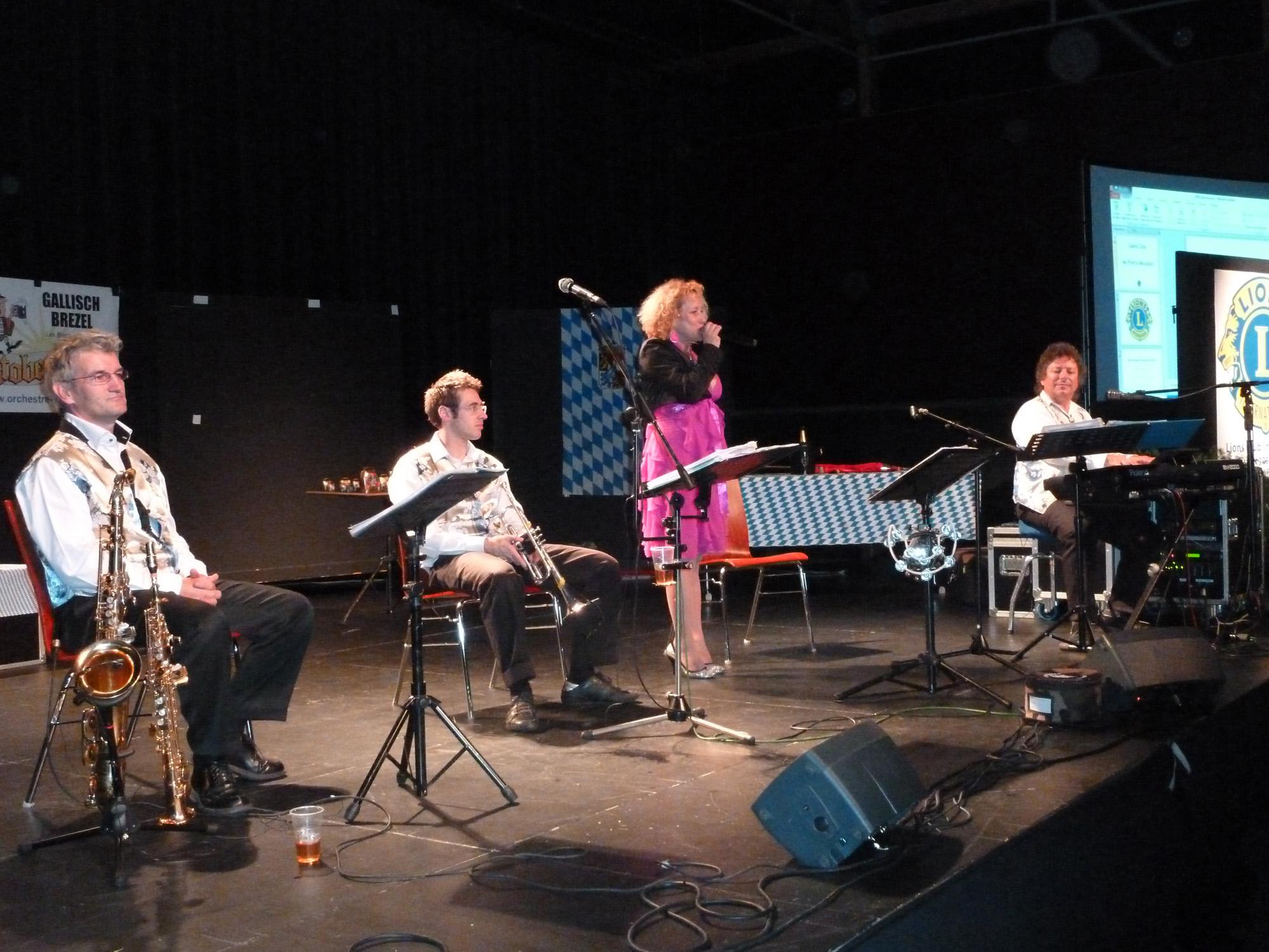4 Bal en 2è partie avec orchestre bavarois, Samedi 1er octobre 2011 à Pont à Mousson 54