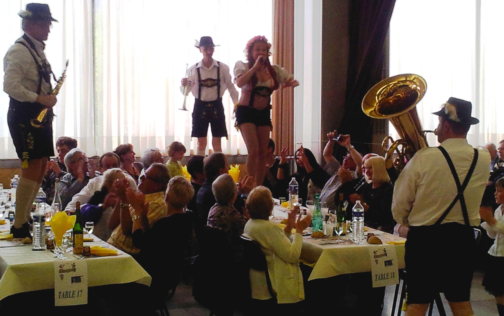 4a- Choucroute à Sochaux, avec l'orchestre bavarois Gallisch Brezel, 15 04 2012