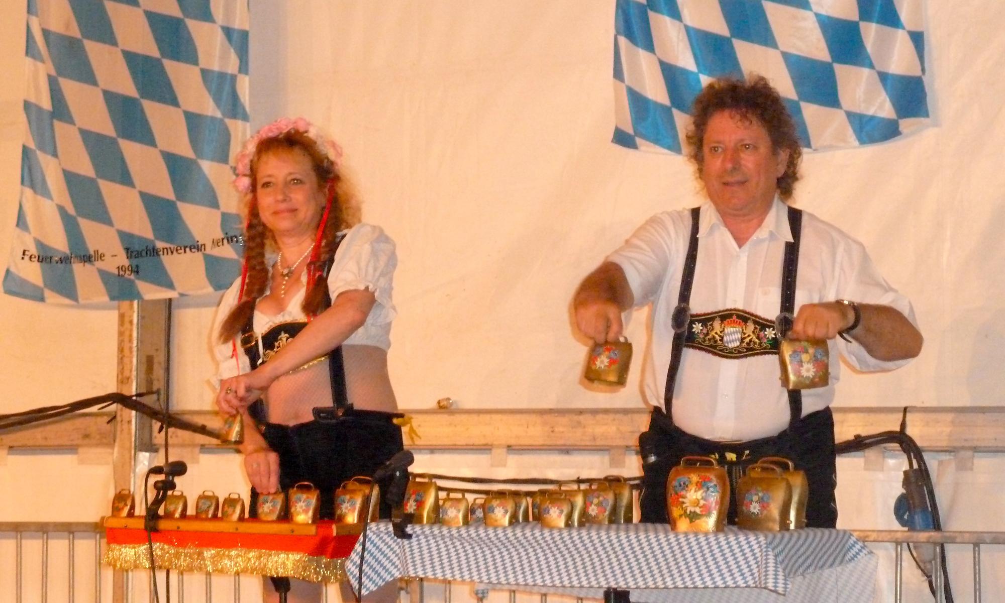 4a Ambérieu 01 Fête de la Bière orchestre bavarois Gallisch Brezel Clarines duo