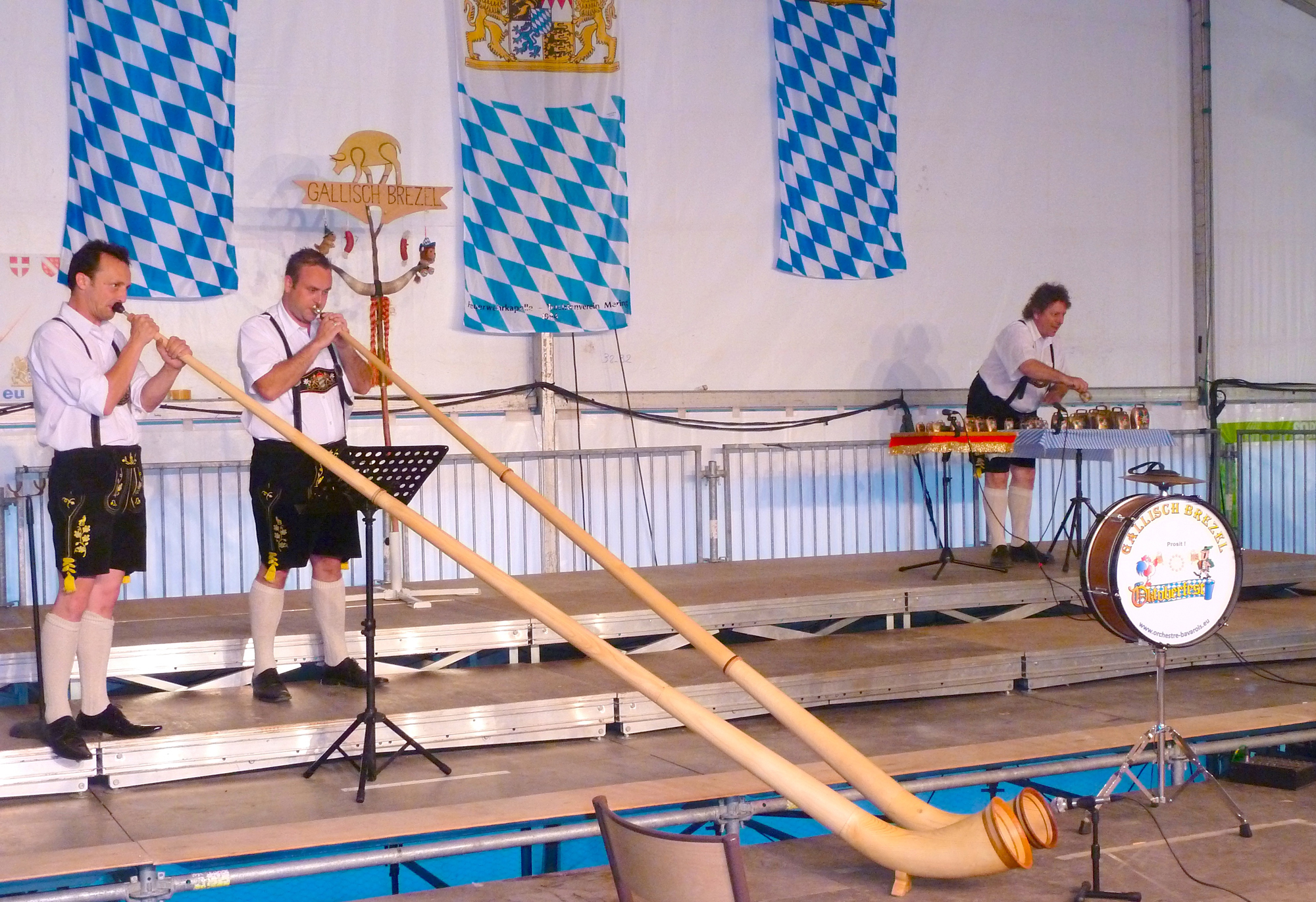 5 Ambérieu 01 Fête de la Bière orchestre bavarois Gallisch Brezel Clarines et Cor des Alpes