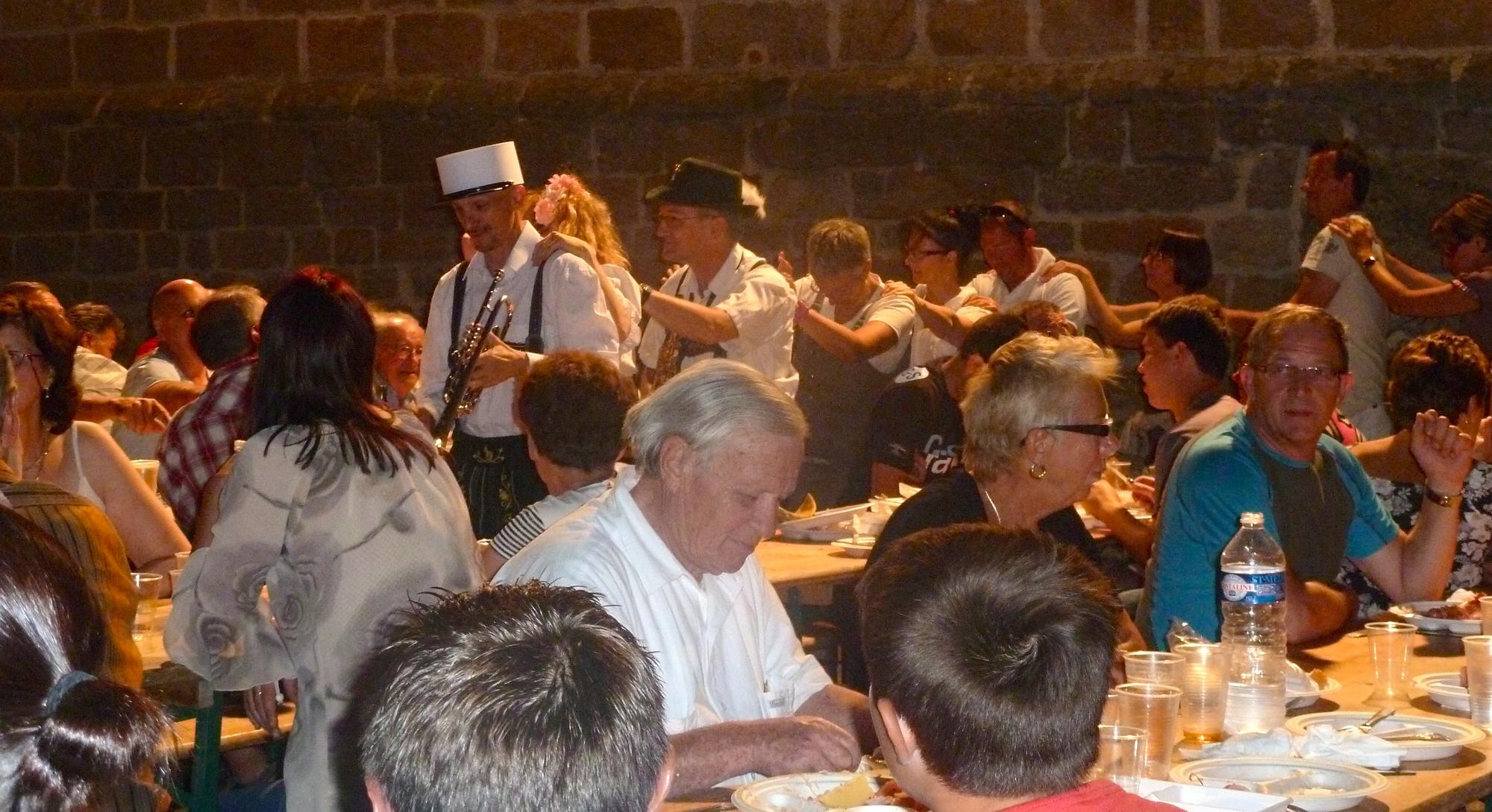 3- ambiance avec orchestre bavarois, Saint Privat 19, 18 08 2012