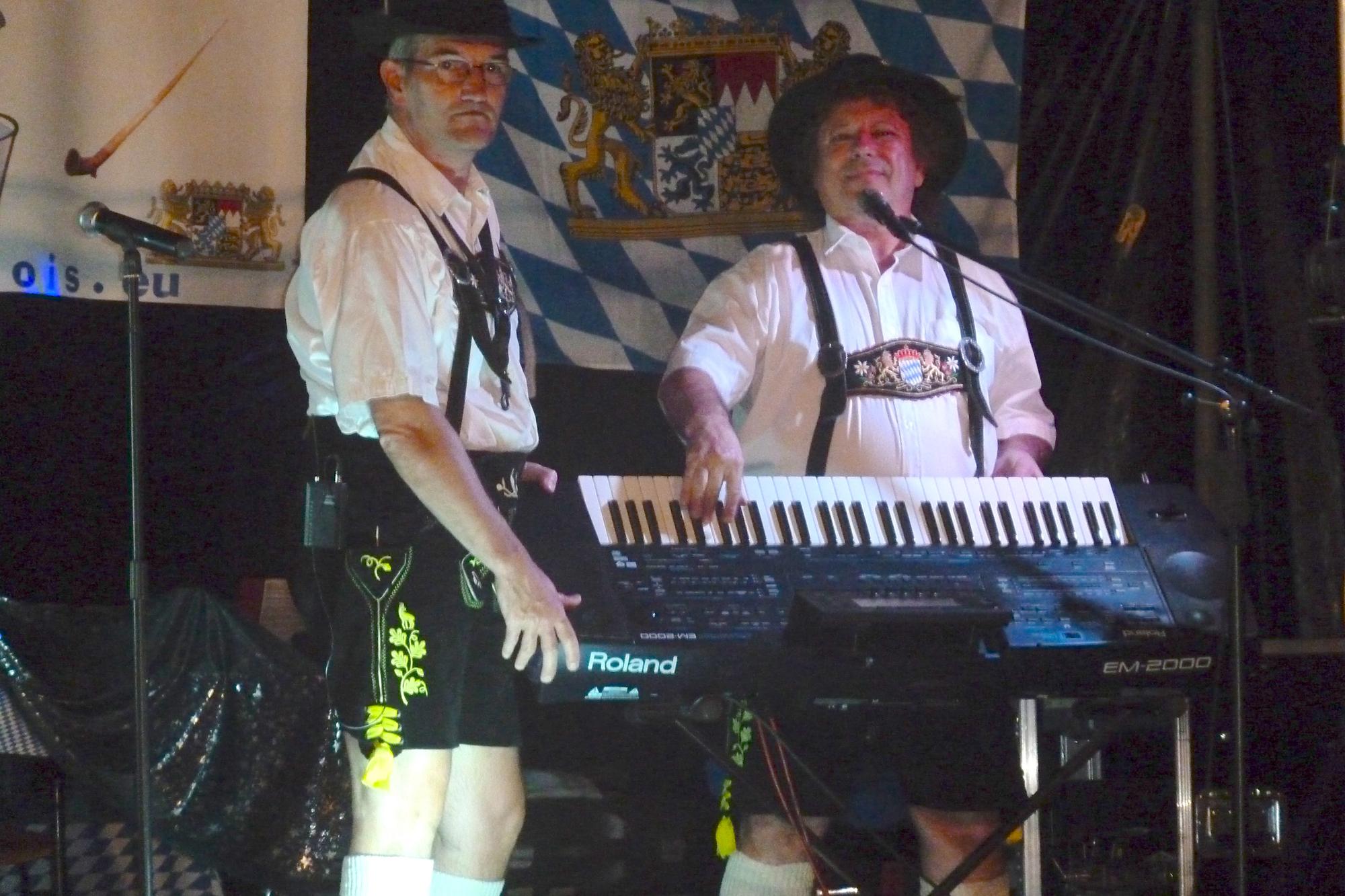 4b- musiciens de l'orchestre bavarois à la fête de la bière de Saint Privat, le 18 08 2012