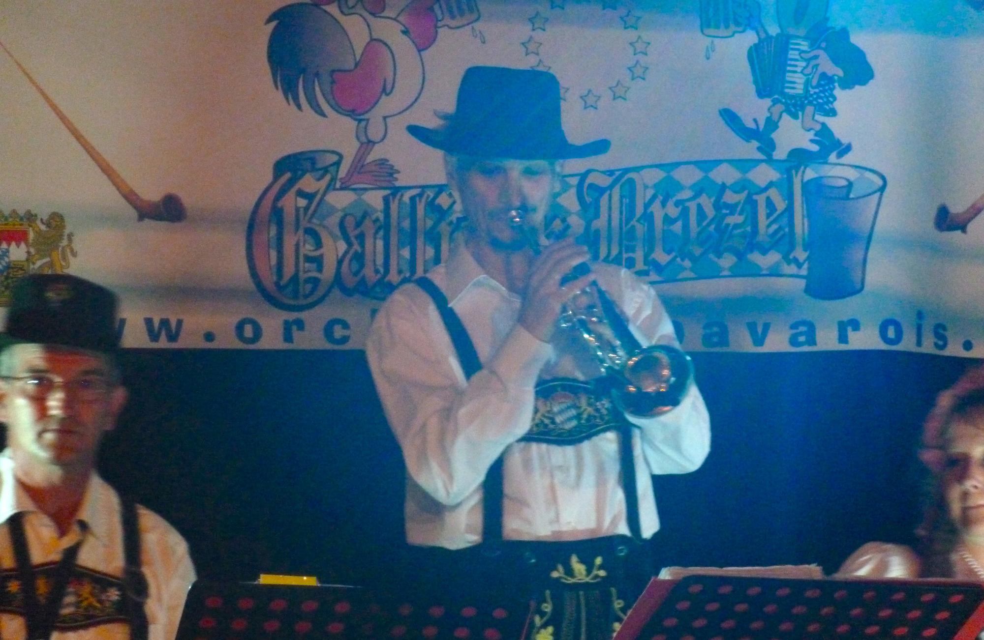 6b- musicien de l'orchestre bavarois à SAINT PRIVAT, 18 aout 2012