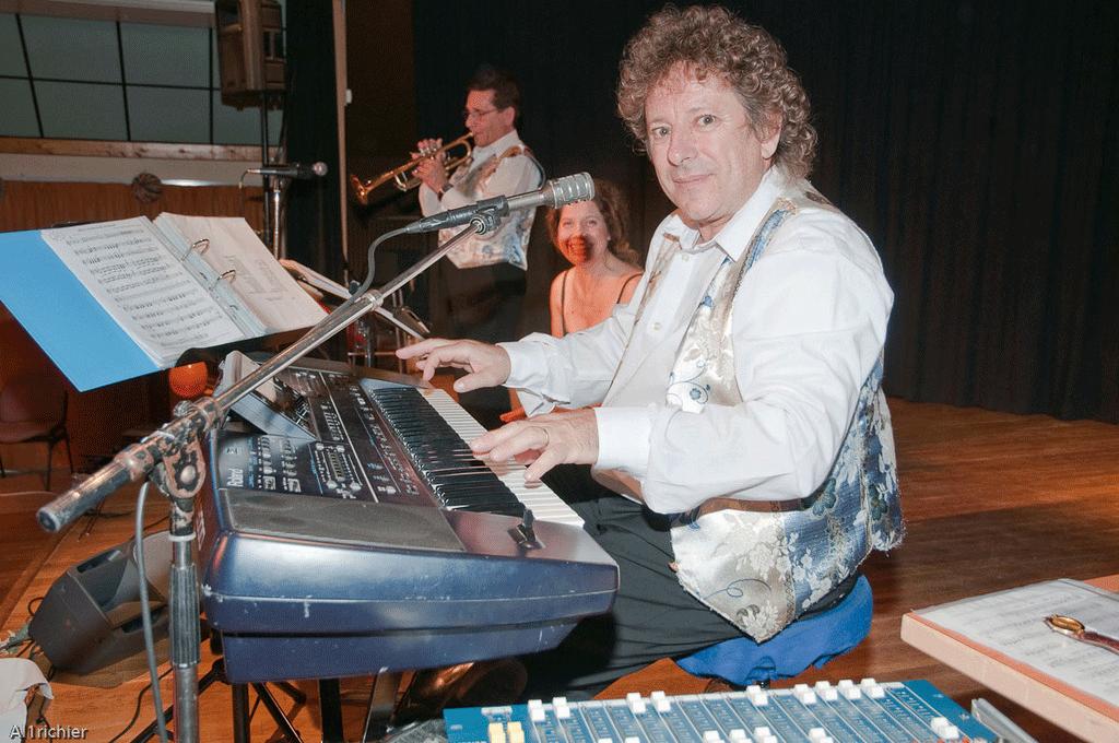 Forges les Bains 91-2009-orchestre de variété 3