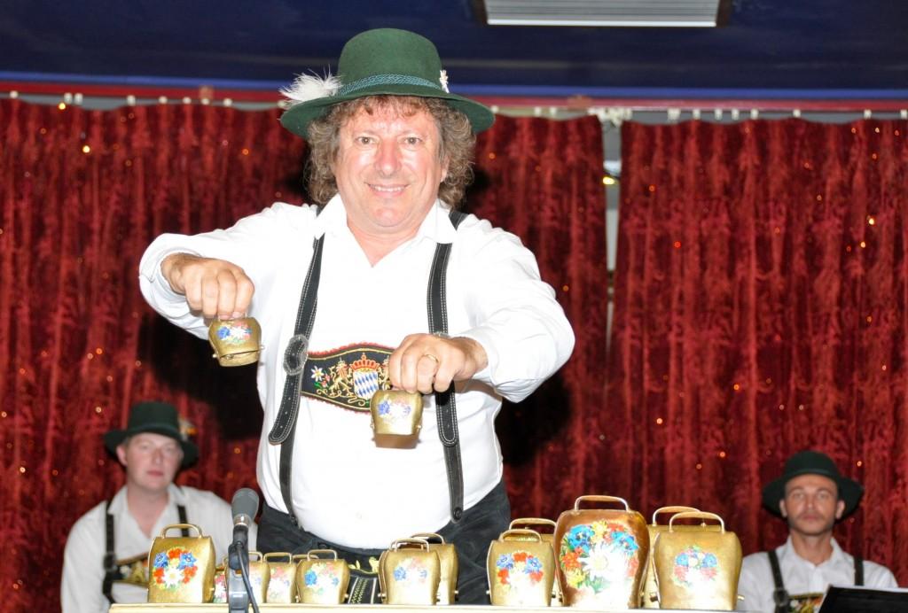 MUZILLAC-2010-spectacle-bavarois-Clarines