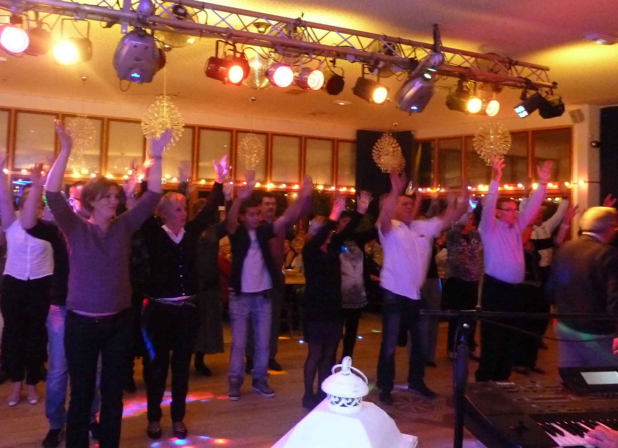 St Quentin -02-2013-orchestre de variété 8