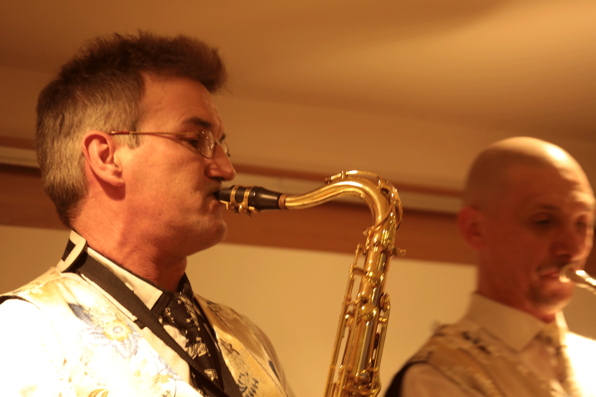 13-Saxophoniste-d'un-Orchestre-variété-jazz,-au-20-ans-de-la-SLMM,-Mesnil-le-roi-78-29-11-2014J