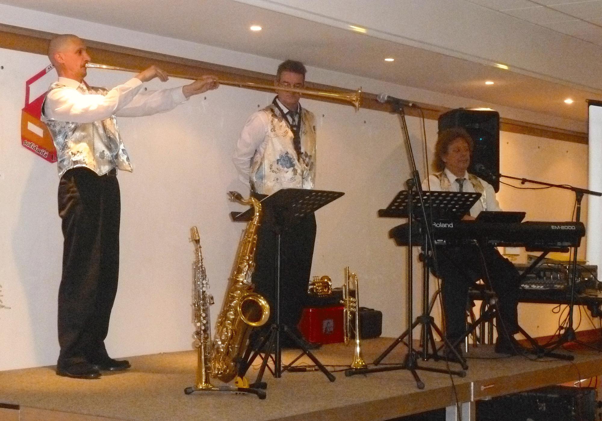 4-Eclectisme-orchestre-variété-jazz-à-Mesnil-le-Roi-92-le-29-11-2014