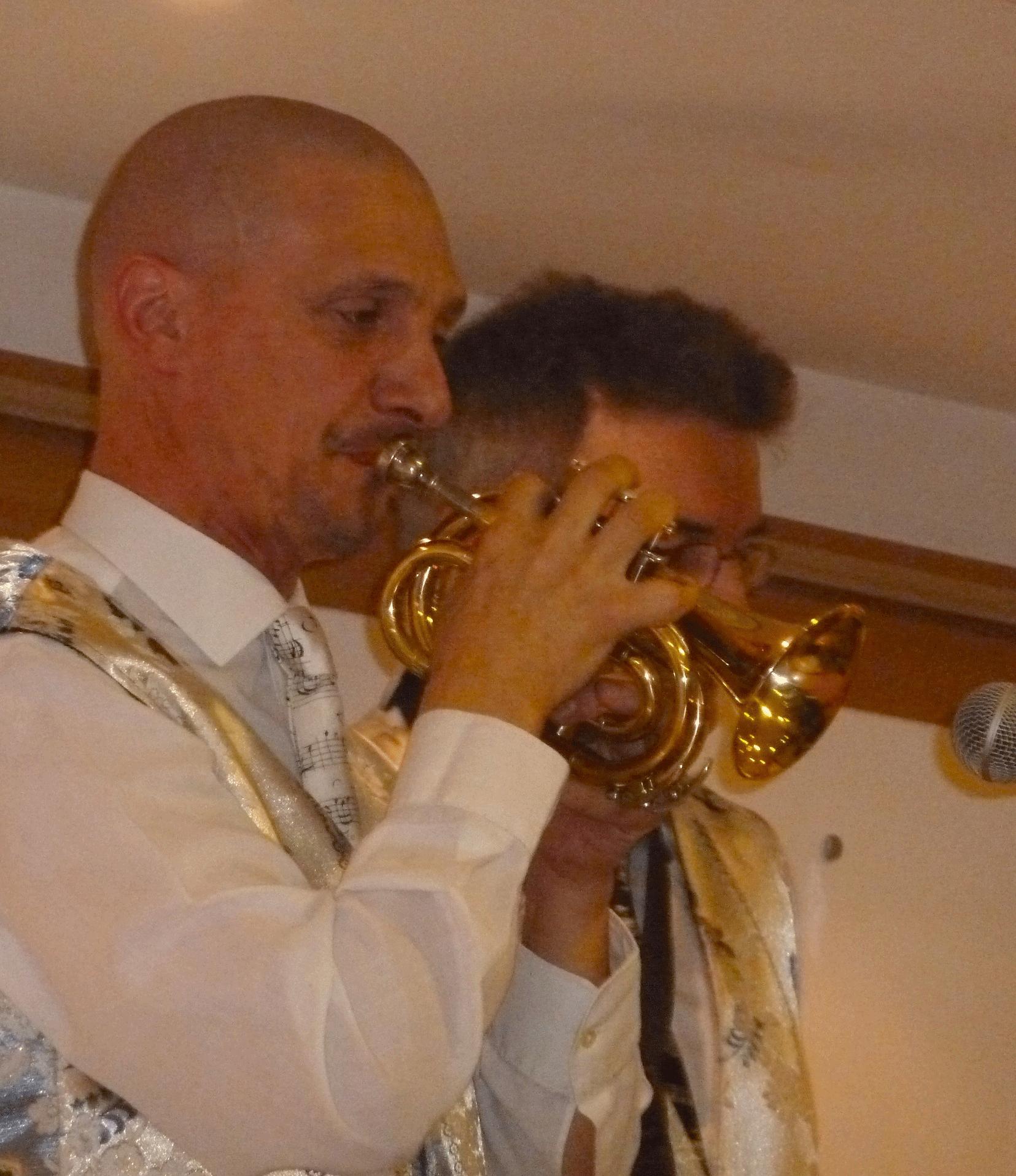 5-Orchestre-variété-Olivier-Sergent-trompettes-Mesnil-le-Roi-92