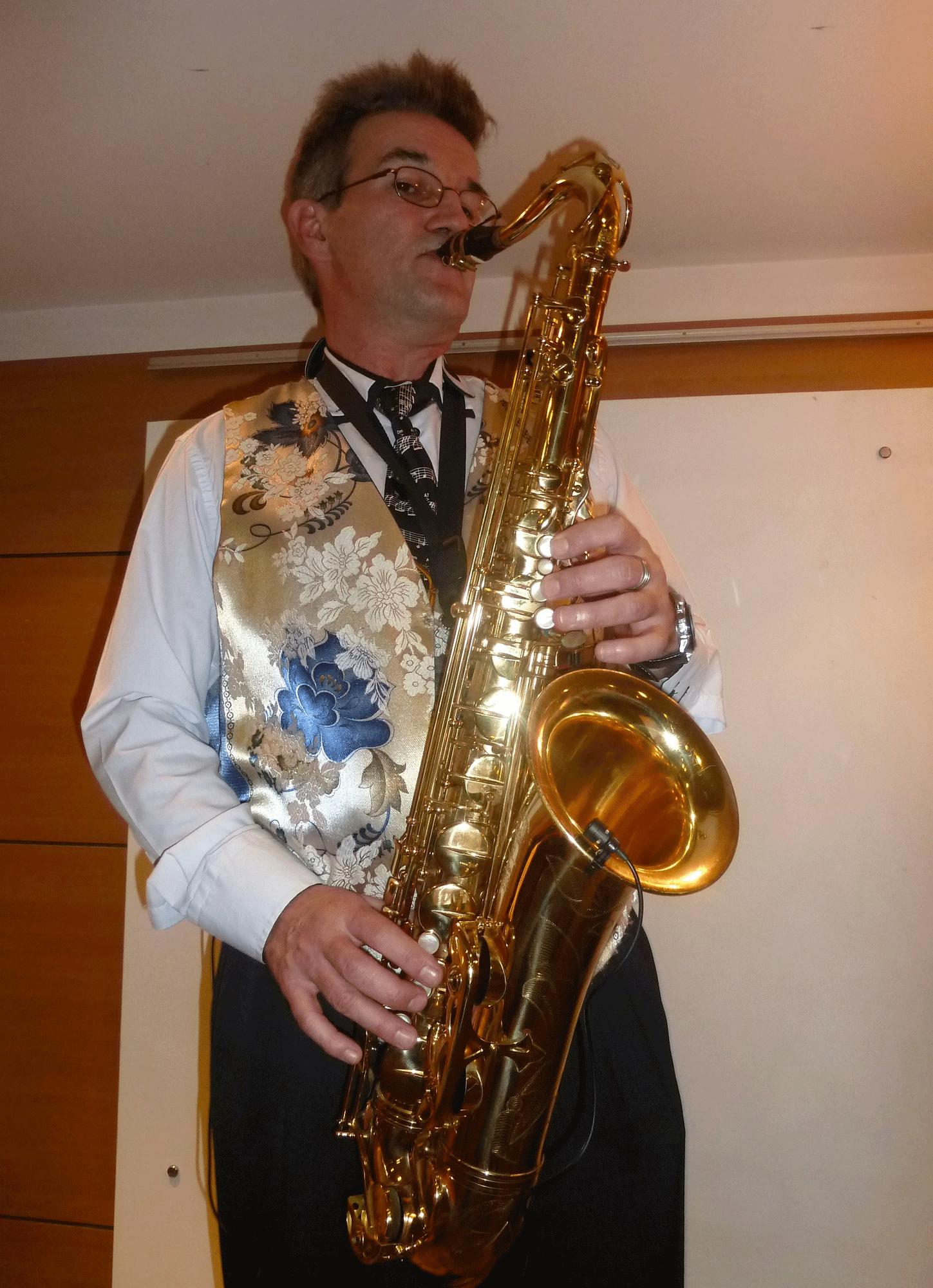 6-Orchestre-variété-musicien-jazz-à-Mesnil-le-Roi-92-le-29-11-2014