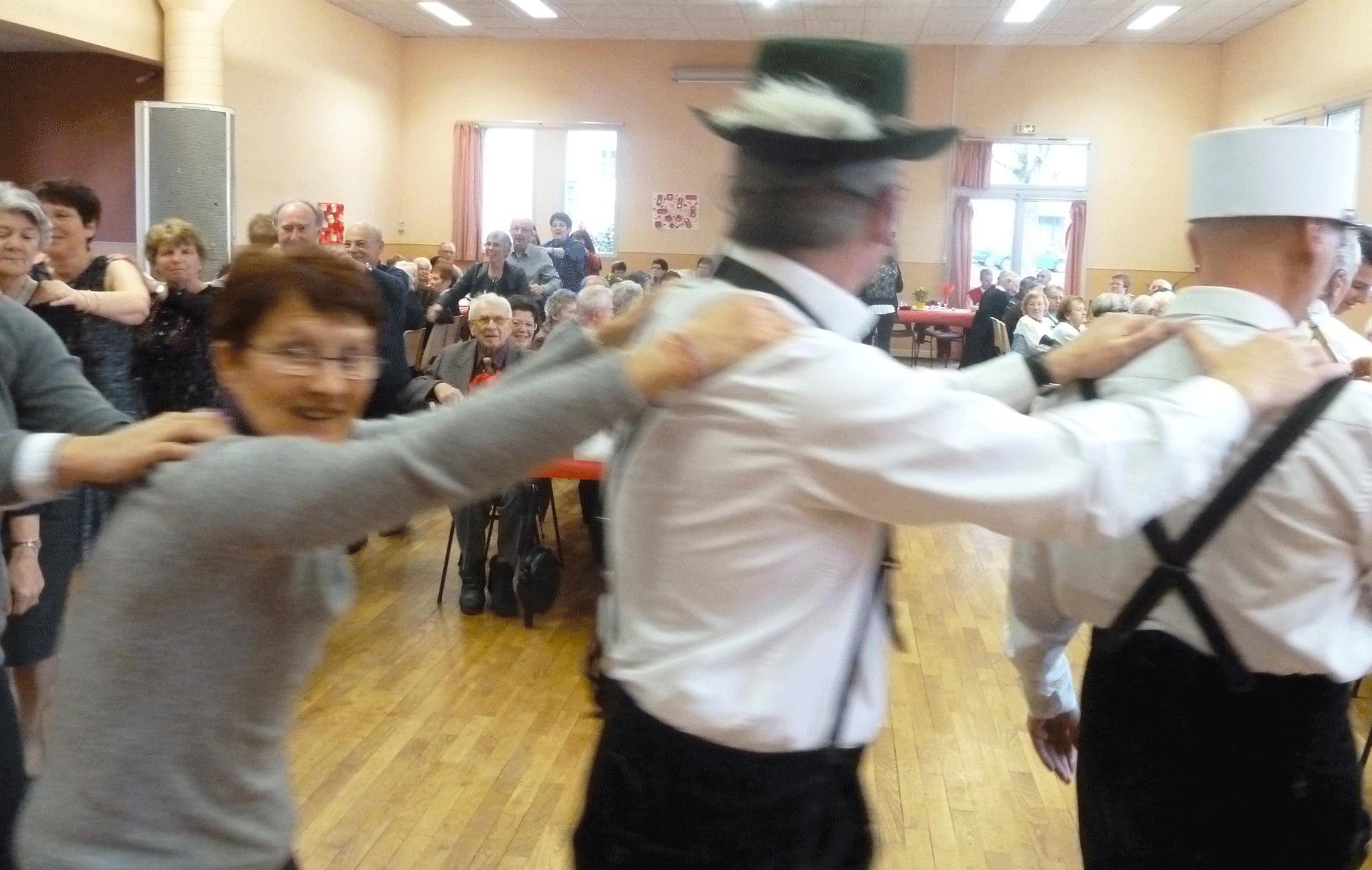 7-Ambiance-et-fete-avec-l'orchestre-bavarois-à-Poce-sur-Cisse-en-novembre-2014
