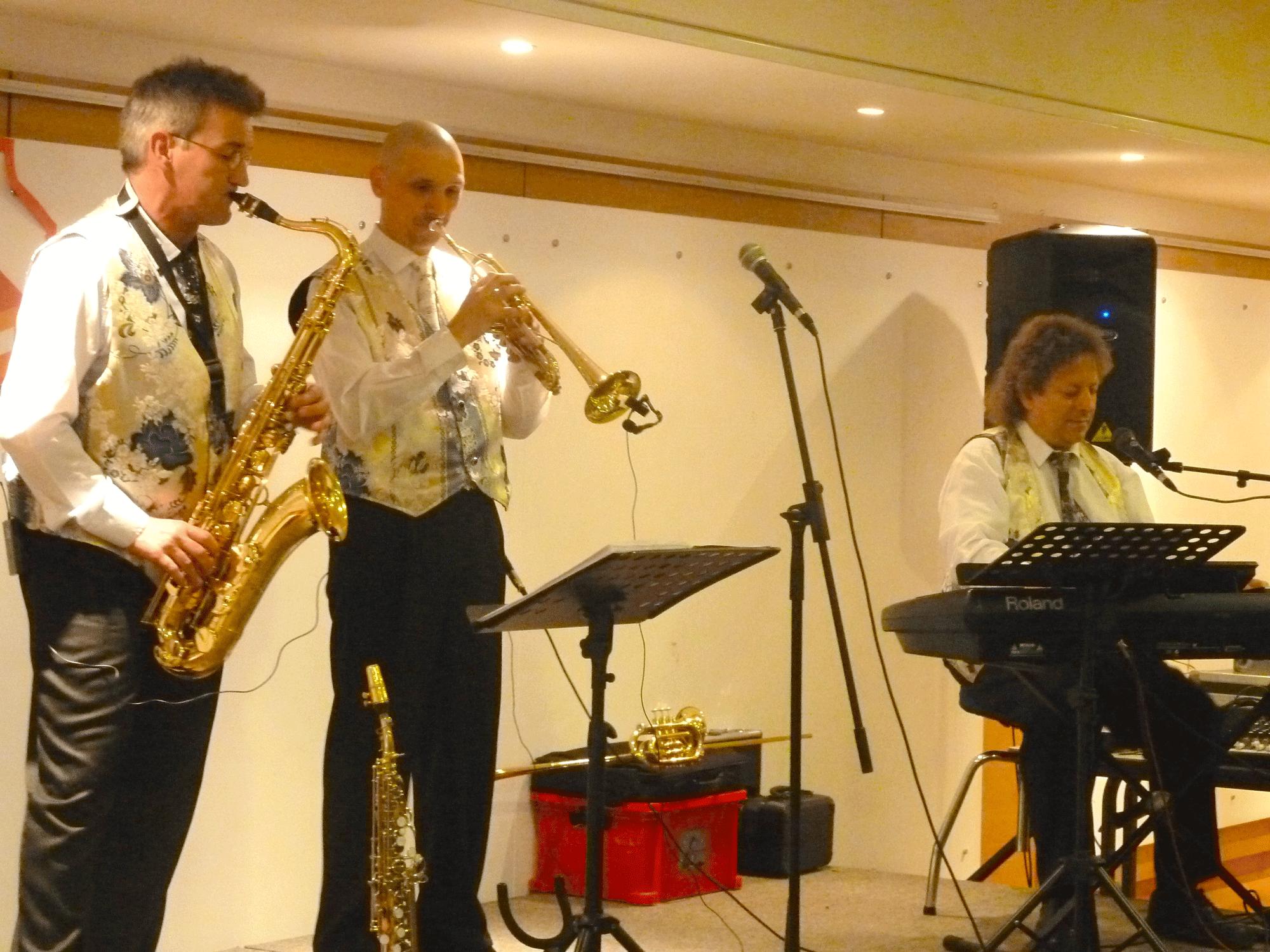 8-Orchestre-de-variété-jazz-à-Mesnil-le-Roi-92-Slmm-2014