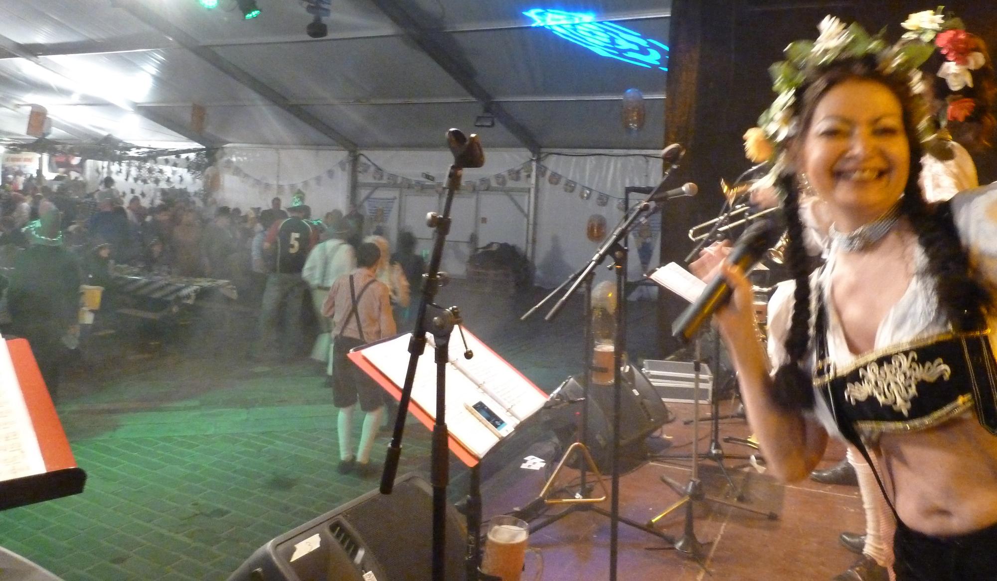 14b Orchestre bavarois à Sion ch, jeudi 12 février 2015 Peggy, la chanteuse